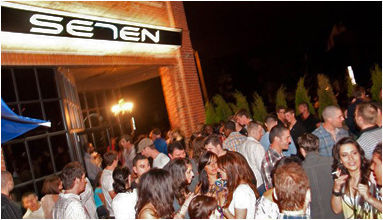 Club Se7en Niagara Patio
